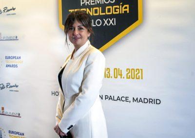 Gurú asiste a la gala de recogida de Premios